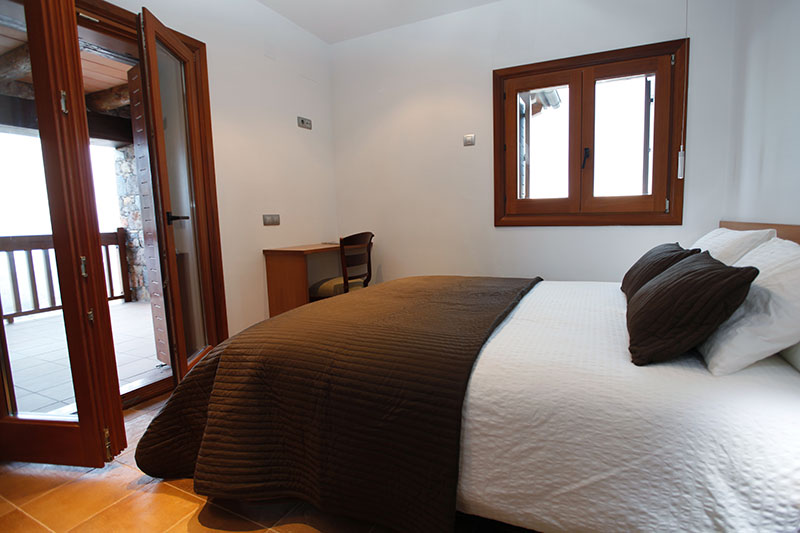 Pyrenees double room accommodation