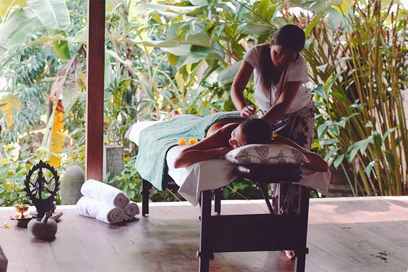 Bali retreat massage